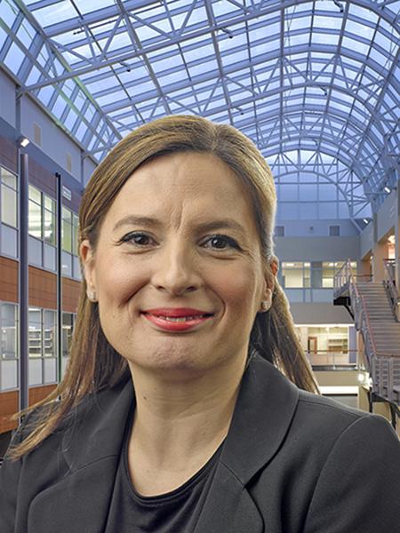 Esra Martin headshot